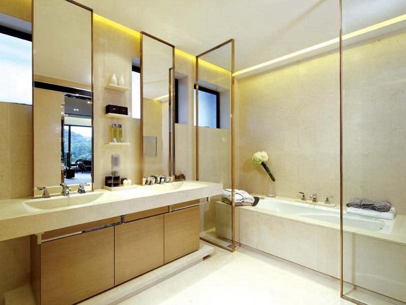 淡黄色卫生间瓷砖
