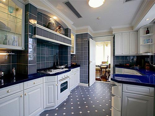 厨房地板砖应该铺设多大尺寸的?